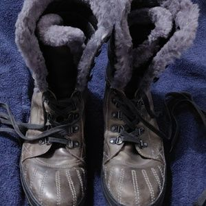 Aldo gray leather boots with the fur
